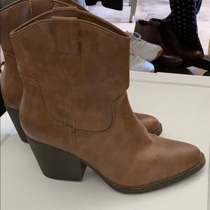 Tan ankle western boots
